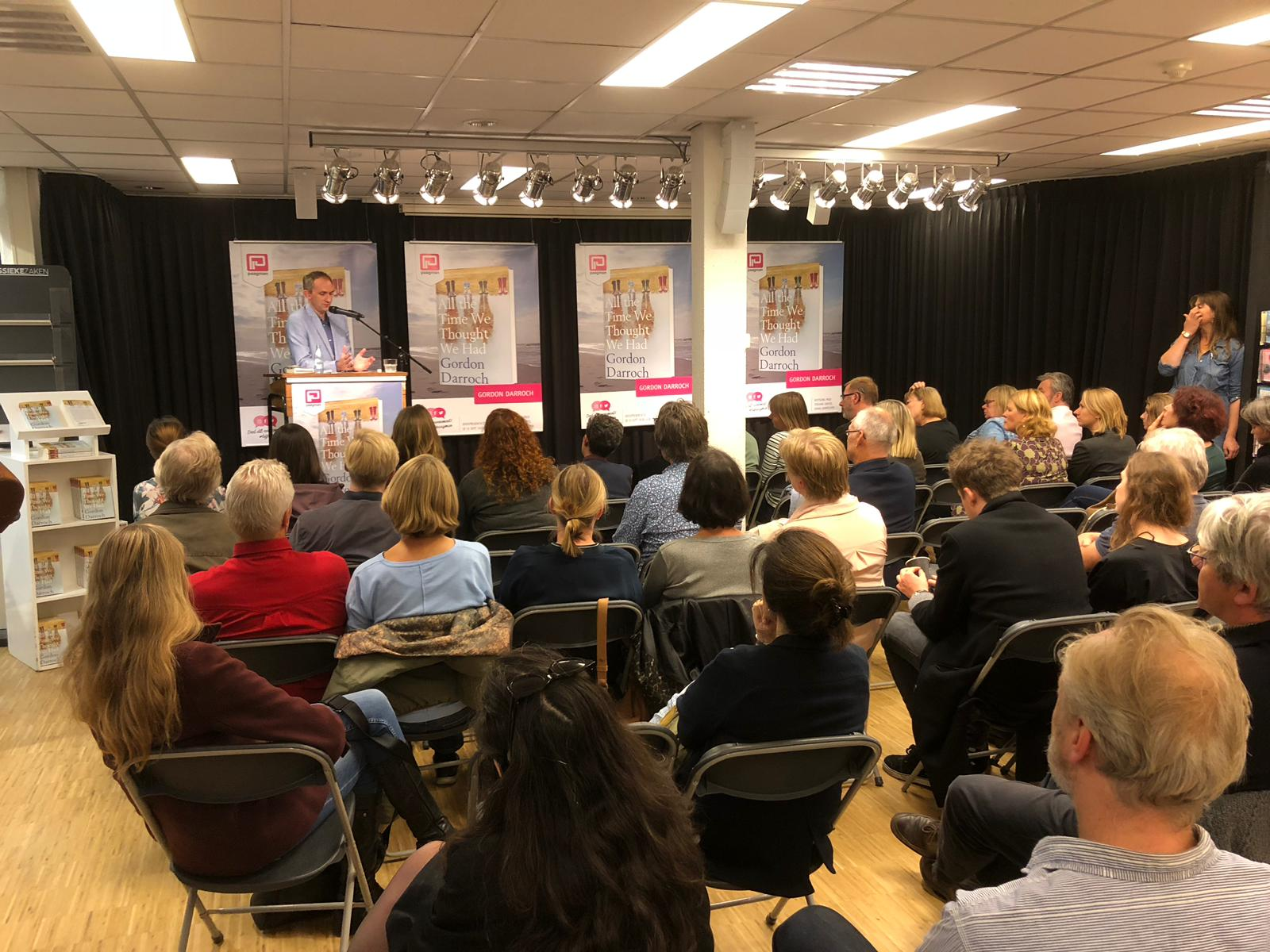 Gordon Darroch presenting his book All The Time We Thought We Had at Paagman bookstore in Scheveningen, The Hague, September 25 2018